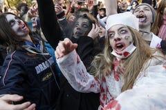 KIEV, UCRÂNIA - 31 de outubro de 2015: Celebração de Dia das Bruxas em Kyiv Fotos de Stock