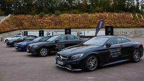 Kiev, Ucrânia - 4 de outubro de 2016: Experiência da estrela de Mercedes Benz A série interessante de movimentações do teste Imagens de Stock