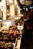 Kiev, Ucrânia ` S justo, Natal do ano novo Alimento da venda Fotografia de Stock