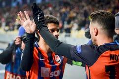 KIEV, UCRÂNIA - 12 de dezembro de 2018: Junior Moraes comemora um objetivo marcado durante a harmonia do UEFA Champions League en fotografia de stock royalty free