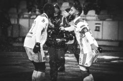 KIEV, UCRÂNIA - 12 de dezembro de 2018: Nabil Fekir comemora o objetivo marcado durante a harmonia do UEFA Champions League entre foto de stock
