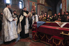 KIEV, UCRAINA - aprile 3, 2015: Cerimonia funerea per il meccanico ucraino Igor Branovitskiy che è stato ucciso in Ucraina orient fotografia stock