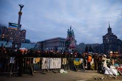 KIEV, UCRAINA - 20 febbraio 2014: Calma e una tregua difficile su euromaidan fotografia stock libera da diritti