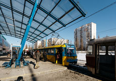Kiev, Ucraina - febbraio 2014 - l'ultimo raccordo anulare ad alta velocità della stazione del tram a Kiev, Ucraina Fotografia Stock