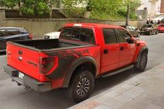 Kiev, Ucraina - 3 maggio 2019: Grande Ford Raptor SUV nella citt? fotografie stock libere da diritti