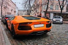 Kiev, Ucraina 7 marzo 2013, Lamborghini Aventador nel centro di Kiev fotografia stock libera da diritti