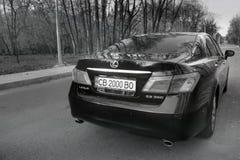 Kiev, Ucraina - 5 novembre 2018: Automobile di Lexus es 350 sulla strada fotografia stock