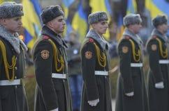 KIEV, UCRAINA - 28 novembre 2015: Presidente dell'Ucraina Petro Poroshenko e la sua moglie ha commemorato le vittime del carestia Fotografia Stock