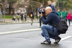 Kiev, Ucraina - 20 settembre 2017: Fotografo di via che prende p Immagini Stock