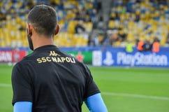 Kiev, UCRAINA - 13 settembre 2016: I giocatori di football americano di Napoli sono traini Immagini Stock
