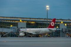 KIEV, UCRANIA - 10 DE JULIO DE 2015: Turkish Airlines Fotos de archivo