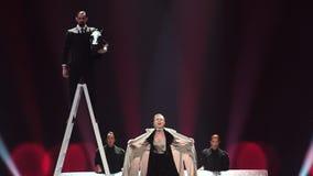 KIEV, UCRANIA - 12 DE MAYO DE 2017: Competencia de canción de la Eurovisión del participante de Azerbaijan Dihaj