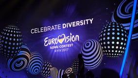 KIEV, UCRANIA - 12 DE MAYO DE 2017: La etapa principal de la competencia de canción de la Eurovisión metrajes
