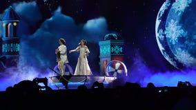 KIEV, UCRANIA - 12 DE MAYO DE 2017: Participante de Bielorrusia el Naviband en competencia de canción de la Eurovisión metrajes
