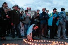 KIEV, UCRANIA - 17 de mayo de 2015: Tártaros crimeos marcan el 71o aniversario de la deportación forzada de tártaros crimeos de C Imágenes de archivo libres de regalías