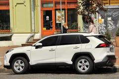 Kiev, Ucrania - 3 de mayo de 2019: Toyota RAV4 SUV en la ciudad foto de archivo libre de regalías