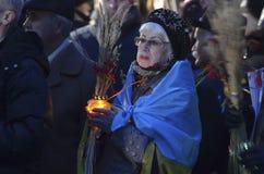 KIEV, UCRANIA - 28 de noviembre de 2015: Los ucranianos conmemoran la gran hambre 1932-1933 Imagen de archivo