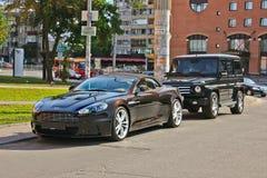 Kiev, Ucrania; 20 de septiembre de 2014, Aston Martin DBS V12 Volante cabriolet El convertible de lujo El color del chocolate foto de archivo libre de regalías