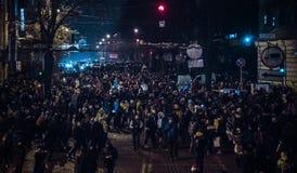 Kiev, Ucrania - enero 1, 2017: Sophia Square: gente que celebra Año Nuevo Imagen de archivo libre de regalías