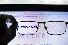 Kiev, Ucrania 05 17 2019: Finnair - la l?nea a?rea propiedad del gobierno del editorial ilustrativo del icono de Finlandia foto de archivo