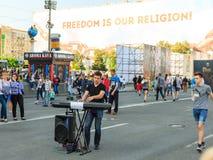 Kiev, Ucrania - pueden 6, 2017 Preparaciones para la Eurovisión 2017 en Khreshchatyk Libertad, música kiev ucrania Fotografía de archivo libre de regalías