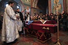 KIEV UKRAINA - April 3 2015: Begravnings- ceremoni för den ukrainska militären Igor Branovitskiy som dödades i den östliga Ukrain Arkivfoto
