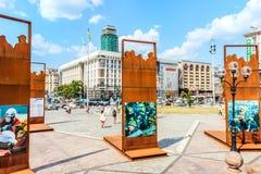 Kiev Ukraina - Augusti 15, 2018: Maidan installationer i heder av folk som dödas under Euromaidan royaltyfri foto