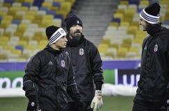 KIEV UKRAINA - DEC 06: Besiktas fotbollsspelare som arbeta som privatlärare åt durin Royaltyfri Foto