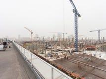 KIEV UKRAINA - Februari 15, 2014: konstruktion av en ny underhållningmitt Royaltyfria Foton