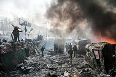 KIEV UKRAINA - Januari 25, 2014: Massanti--regering protester royaltyfria bilder
