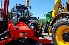 Kiev Ukraina Juni 6, 2018: Tungt maskineri för JCB på utställningen AGRO 2018 arkivfoto