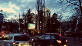 KIEV - UKRAINA - MARS 2017: Domkyrka för ` s för St Volodymyr på aftonen royaltyfri foto