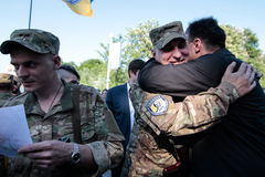 KIEV UKRAINA - May 19 2015: Militära militärer och kvinnor från 'den Sich' batallionen Royaltyfri Foto