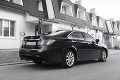 Kiev Ukraina - November 5, 2018: bil Lexus ES 350 arkivfoto