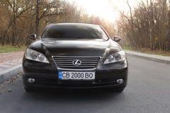 Kiev Ukraina - November 5, 2018: Lexus ES bil royaltyfri bild