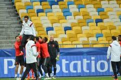 Kiev UKRAINA - OKTOBER 19, 2016: Fotbollcoachning för SL Benfica för Arkivfoton