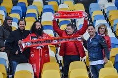 Kiev UKRAINA - OKTOBER 19, 2016: Portugisisk fanservice SL Benfica Royaltyfria Bilder