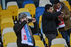 Kiev UKRAINA - OKTOBER 19, 2016: Portugisisk fanservice SL Benfica Arkivbilder