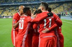 Kiev UKRAINA - OKTOBER 19, 2016: Spelare för SL Benfica firar mål Royaltyfri Fotografi