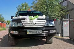 Kiev Ukraina - September 6, 2013: Bröllop Lexus Lexus LX 470 arkivfoton