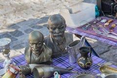 Kiev, Ukraine - 27 août 2016 : Buste de Lénine en vente à un marke de puce photo stock