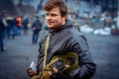 kiev ukraine 23 februari, 2014 Mensen die op barricad protesteren royalty-vrije stock foto's