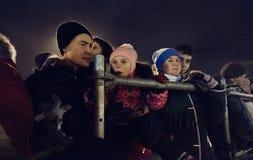 Kiev, Ukraine - janv. 1, 2017 : Ploscha de Sofievska : les gens célébrant la nouvelle année Image libre de droits