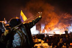 KIEV, UKRAINE - 24 janvier 2014 : Protestations anti-gouvernement de masse Images libres de droits