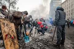 KIEV, UKRAINE - 25 janvier 2014 : Protestations anti-gouvernement de masse Photographie stock