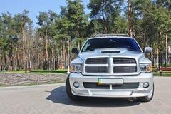 Kiev, Ukraine ; Le 10 avril 2015 Dodge Ram SRT-10 en parc image libre de droits