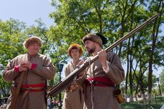 Kiev, Ukraine - 27 mai 2018 : Hommes dans des costumes des Cosaques au festival Images libres de droits