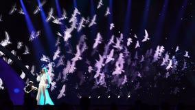 KIEV, UKRAINE - 12 MAI 2017 : Participant de Pologne Kasia Mos sur le concours de chanson d'Eurovision banque de vidéos