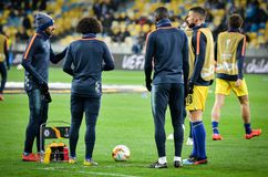 Kiev, UKRAINE - 14 mars 2019 : joueurs Chelsea de stage de formation de Pr?-match pendant la correspondance d'UEFA Europa League  photographie stock libre de droits