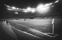 Kiev, UKRAINE - 14 mars 2019 : Vue g?n?rale du stade avec des projecteurs pendant la correspondance d'UEFA Europa League entre la photo libre de droits